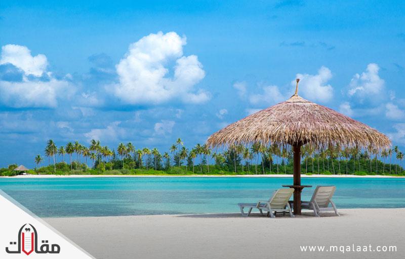جزر المالديف مناخيا وجغرافيا وسياحيا