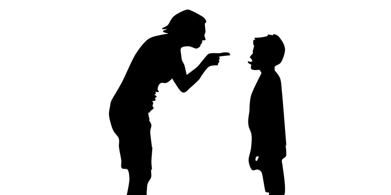 قصص عن عقوق الوالدين