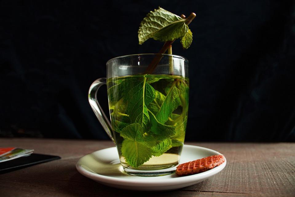 ما هي تجربتي مع الشاي الاخضر للوجه
