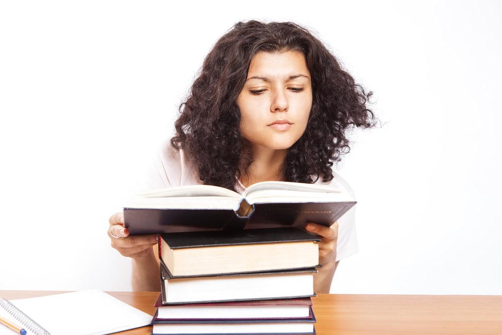 كيف ابدا قراءة الكتب