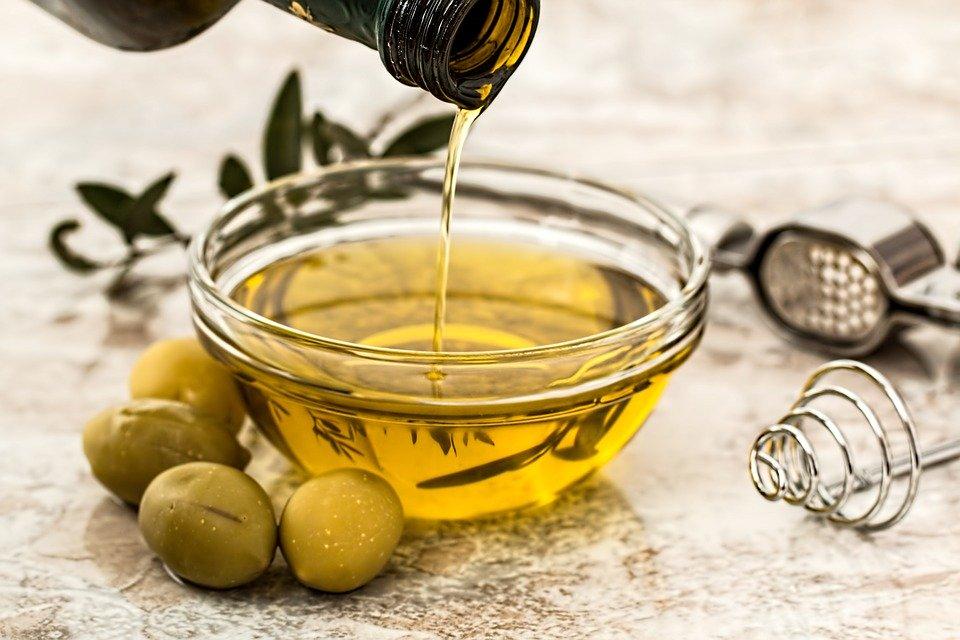 فوائد زيت الزيتون للاسنان