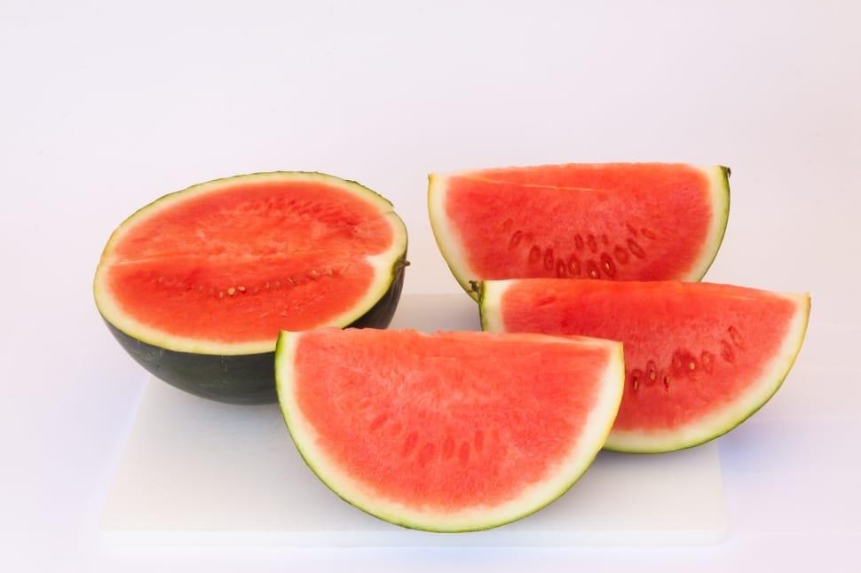 فوائد البطيخ على الريق