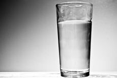 أهم فوائد الماء لجسم الإنسان